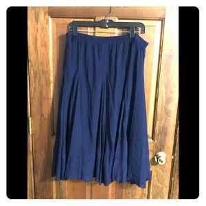 NWOT navy flowy midi skirt, lined